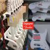 Supreme × Fender のコラボギターは販売価格17万円で50本限定
